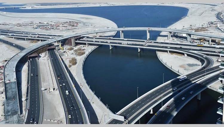 إنجاز 90% من مشروع الجسر المؤدي إلى شارع المركز المالي