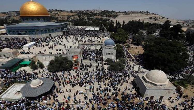 الخارجية الفلسطينية تدين إغلاق الأقصى وتعتبره جزءاً من التهويد