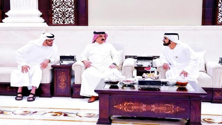 محمد بن راشد ومحمد بن زايد وملك البحرين يبحثون التعاون المشترك