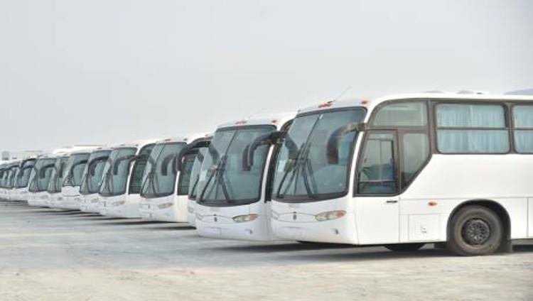الإمارات تقدم 99 حافلة للمدارس والأندية والنقل العام في اليمن