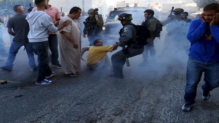 الاحتلال يقتحم مخيم الجلزون واعتقالات في القدس والخليل
