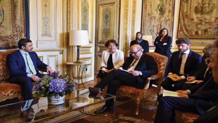 عبدالله بن زايد يؤكد متانة العلاقات الثنائية بين الإمارات وفرنسا