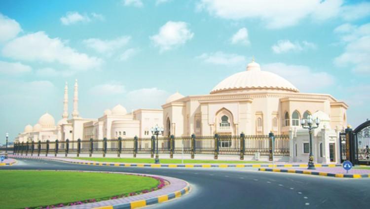 كلية القرآن الكريم.. قلعة علمية تهديها الشارقة للعالم