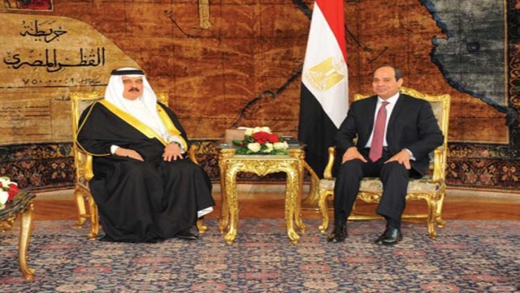 السيسي وحمد بن عيسى: مسلك قطر مناوئ للدول العربية