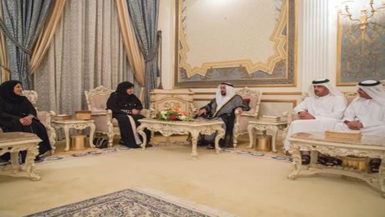 سلطان يتلقى تهاني السفراء والمسؤولين والمواطنين بشهر رمضان