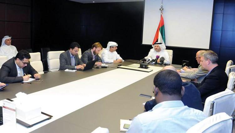 قرقاش: الدبلوماسية تمثل أولوية لحل الأزمة مع قطر