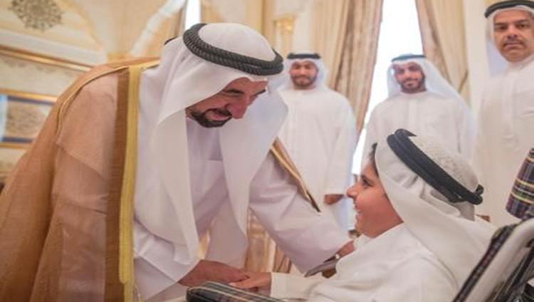 سلطان يستقبل الشيوخ والمسؤولين وأبناء الجاليات المهنئين بالعيد