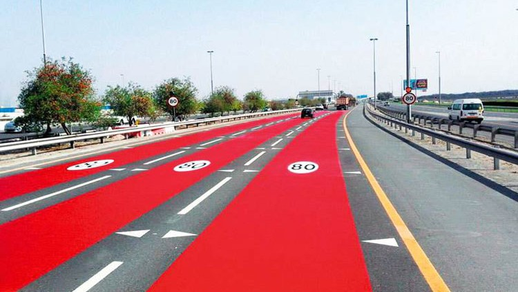 «طرق دبي» تنبّه السائقين بالصبغة الحمراء لخفض سرعتهم