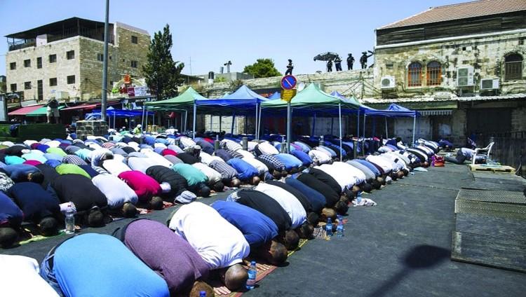 اكتمال فتح بوابات المسجد الأقصى ونتانياهو يعترف بالهزيمة