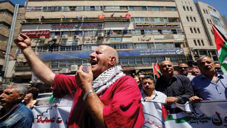 شهيد برصاص الاحتلال في «النبي صالح» واعتقال العشرات بالضفة