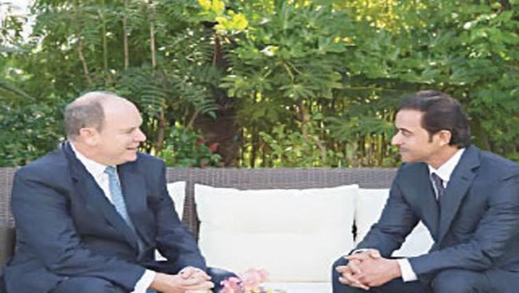 هزاع بن زايد يبحث وأمير موناكو القضايا المشتركة