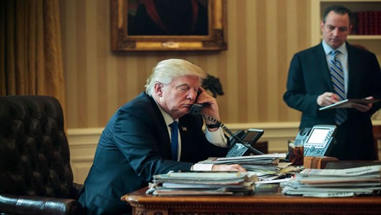 ترامب يبحث مكافحة الإرهاب مع محمد بن زايد والعاهل السعودي