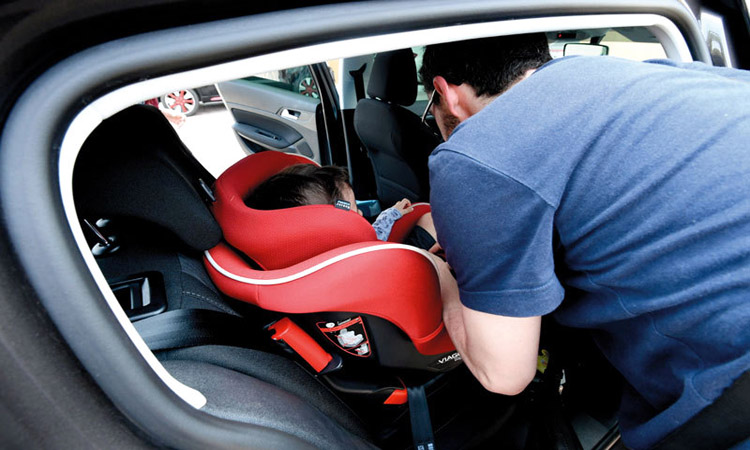 نظام إماراتي لمقاعد الأطفال في المركبات يقلّل الإصابات