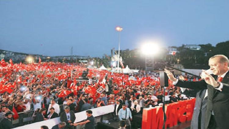 أردوغان يهاجم الاتحاد الأوروبي ويتعهد بإعادة عقوبة الإعدام