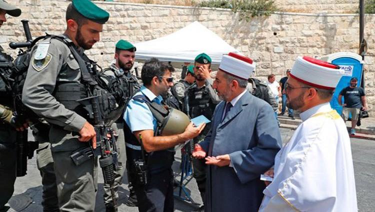 الإمارات والأردن تدعوان لفتح المسجد الأقصى كليا وفورا أمام المصلين