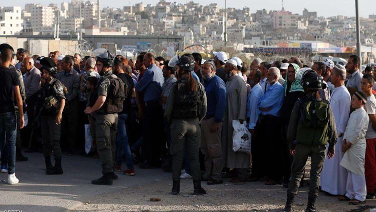 جرحى في اشتباكات بمحيط المسجد الأقصى