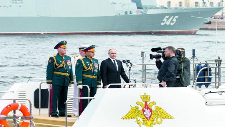 بوتين يطرد 755 دبلوماسياً أميركياً