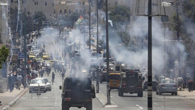 الفلسطينيون يتحدون الاحتلال والحصار في «جمعة الانتصار»