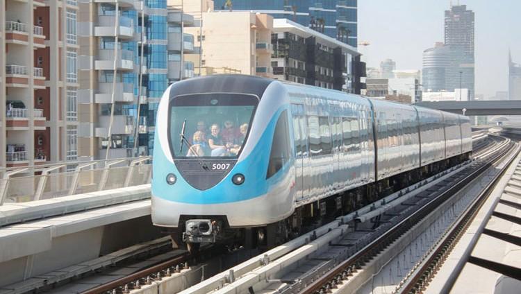 «طرق دبي» تطالب شركات المقاولات بالالتزام بقرار «تنظيم السكك الحديدية»
