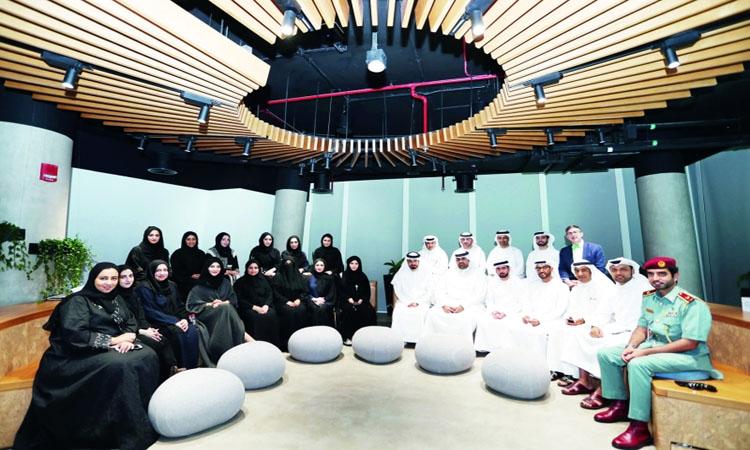 دبي الذكية تبتعث أبطال السعادة للتدريب بمعهد «ديزني»