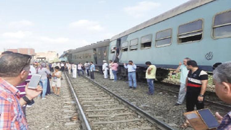 160 قتيلاً وجريحاً بتصادم قطارين في الإسكندرية