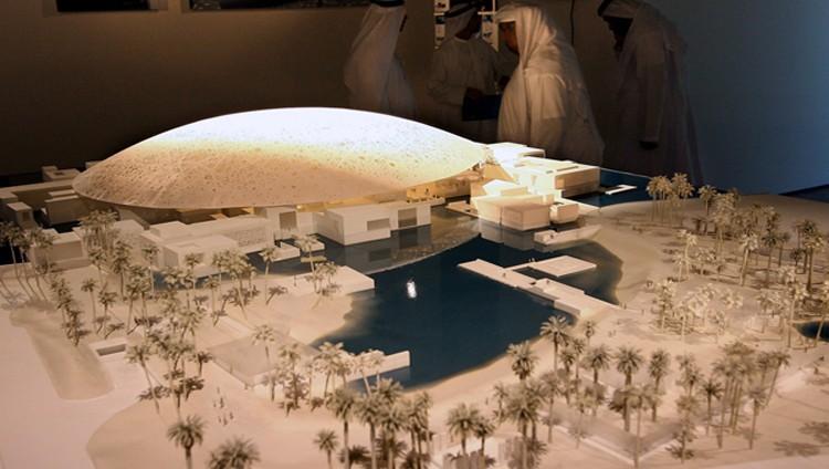 """محمد بن زايد: افتتاح """"لوفر أبوظبي"""" 11 نوفمبر المقبل يعزز الحضور الثقافي للإمارات عالمياً"""