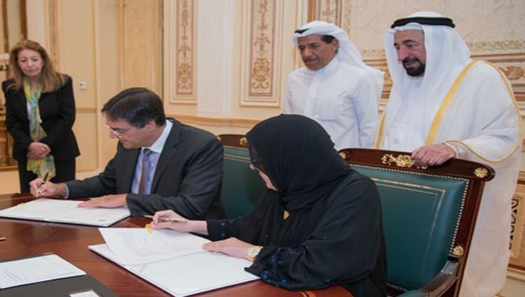 سلطان يشهد توقيع الشيخة جواهر مذكرة تعاون صحي مع كندا