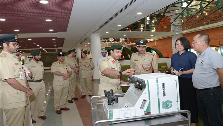 """شرطة دبي تطلق"""" المراقب الذكي"""" لضبط أمن الطريق"""