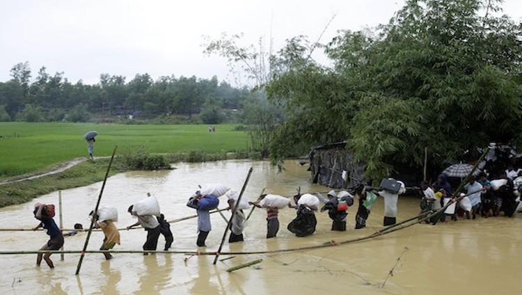 الروهينجا يستغيثون للخروج من ميانمار وسط تهديدات من البوذيين