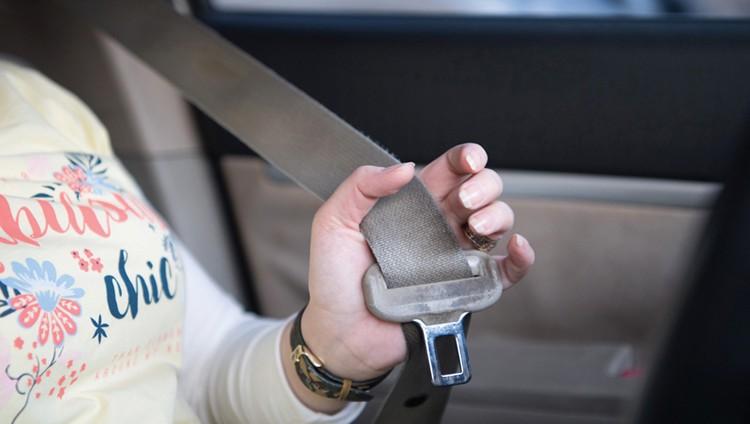 2394 مخالفة لركاب بسبب عدم ربط حزام الأمان
