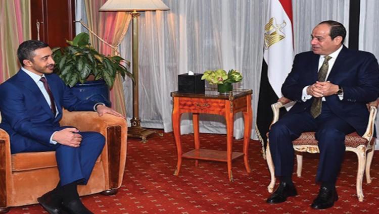 السيسي يبحث مع عبد الله بن زايد العلاقات المتميزة بين مصر والإمارات