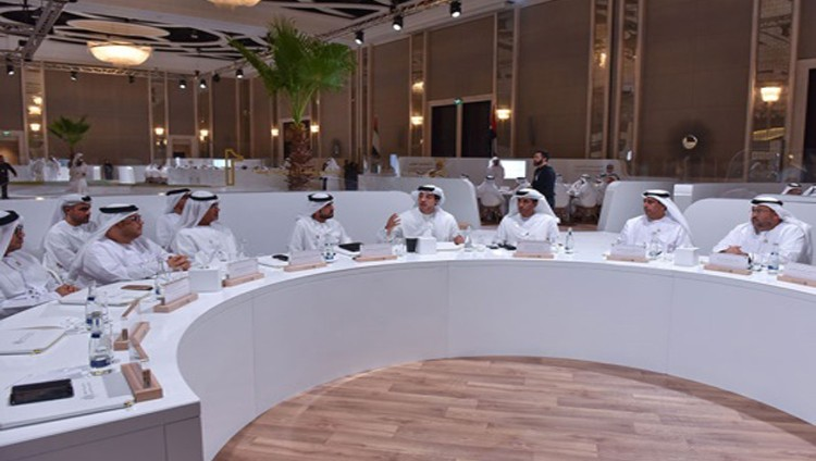 منصور بن زايد: الإمارات محطة التقاء عالمي وبوابة للمنطقة العربية