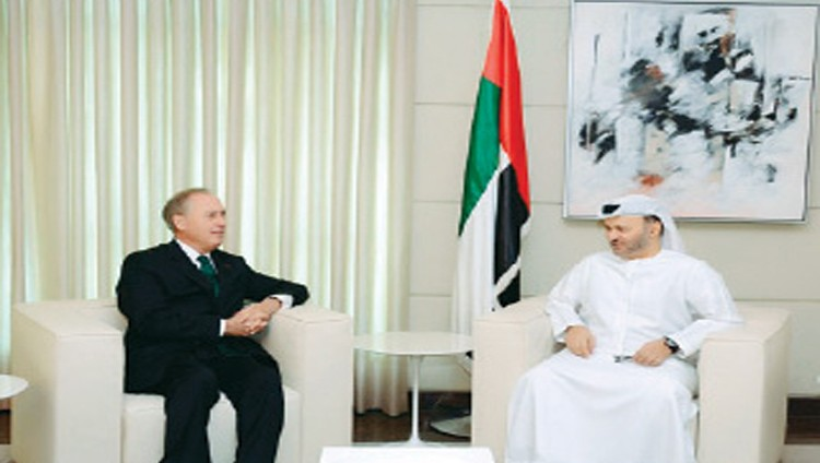 قرقاش: قطر مطالبة بمراجعة شاملة