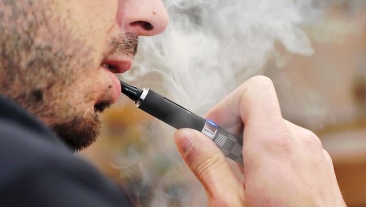 بلدية دبي: السجائر الإلكترونية ممنوعة داخل المراكز التجارية