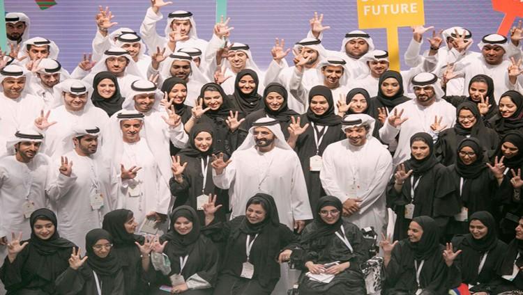 محمد بن راشد يعتمد التشكيلة الجديدة لمجلس الشباب