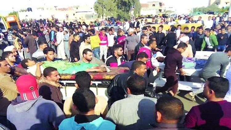 305 شهداء مصر بينهم 27 طفلاً والجيش يثأر