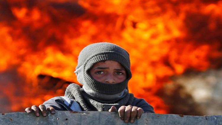 إصابة فلسطيني بالرصاص خلال التصدي للمستوطنين في قصرة