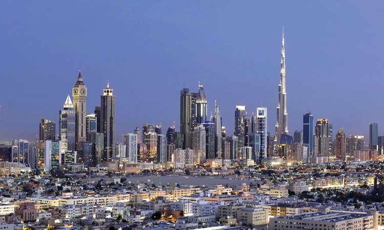 محمد بن راشد يعتمد قانون الموازنة العامة لحكومة دبي للعام المالي 2018 بنفقات 56.6 مليار درهم