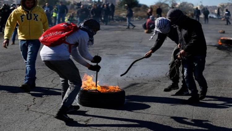 الاحتلال يعتدي على مدرسة بجنين ومستوطنون يدنسون الأقصى