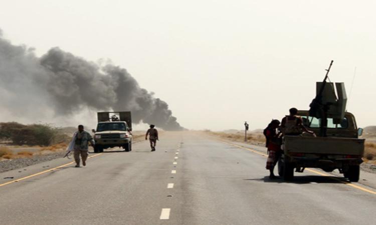 «التحالف» يدك الحوثيين .. وروسيا تخلي سفارتها في صنعاء