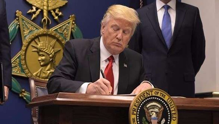 أميركا تبدأ التنفيذ الكامل لأمر حظر السفر