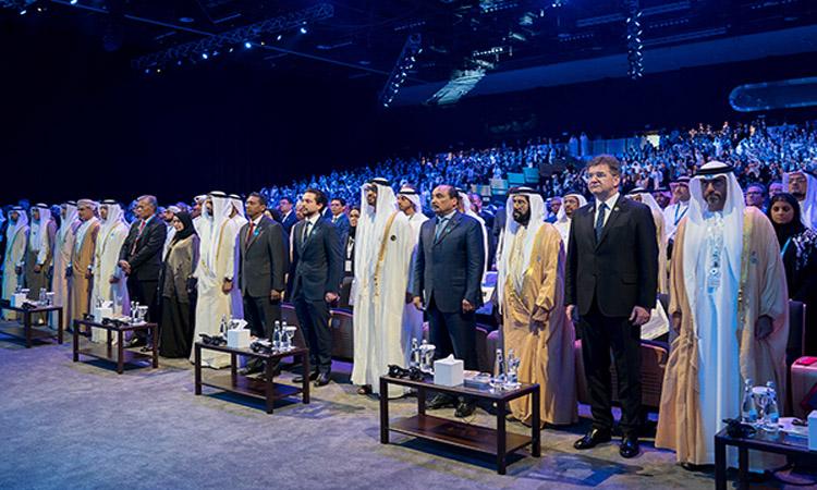 محمد بن زايد: خليفة رسخ أسس ومبادئ التنمية المستدامة لأجيال الشباب