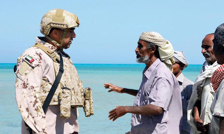 القوات المسلحة الإماراتية تؤمّن عمليات الصيد في الساحل الغربي اليمني وتنظمها