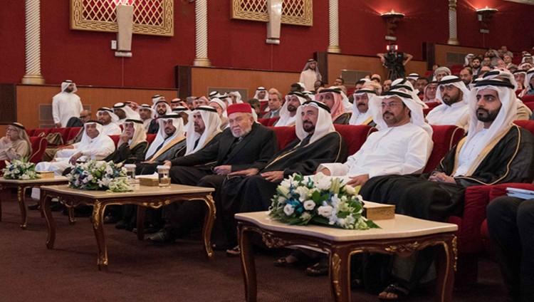 سلطان يشهد مهرجان الشعر العربي الـ 16
