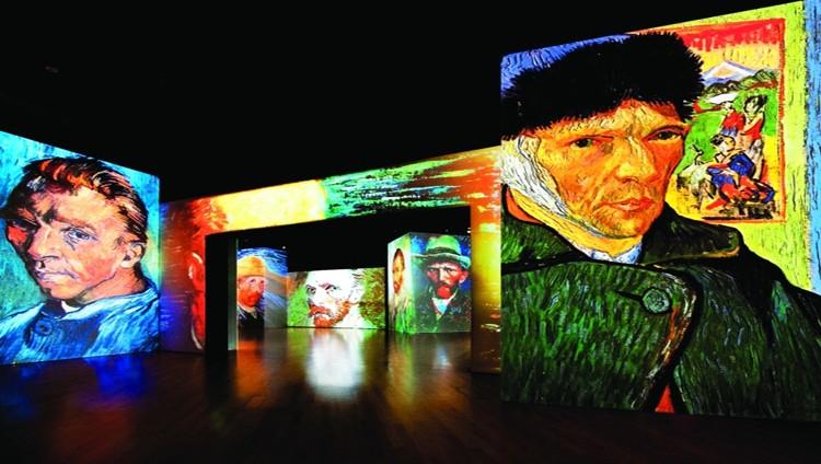 لوحات فان كوخ «الحية» إلى دبي وأبوظبي