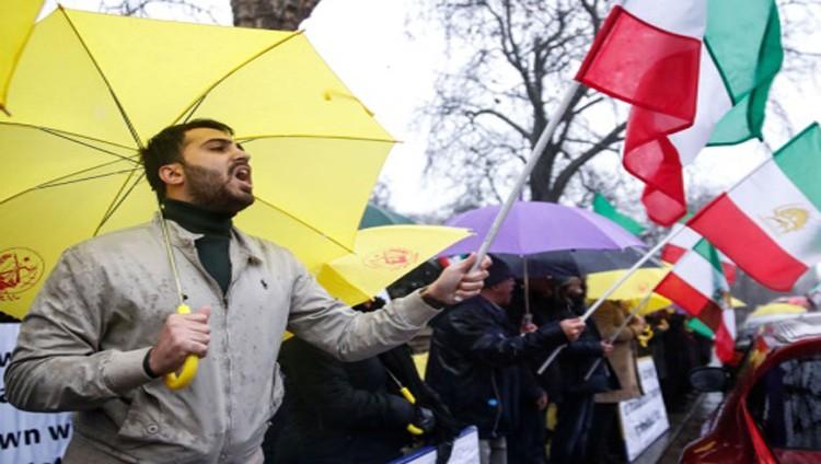 بريطانيا وكندا وألمانيا ترفض القمع الإيراني للمحتجين
