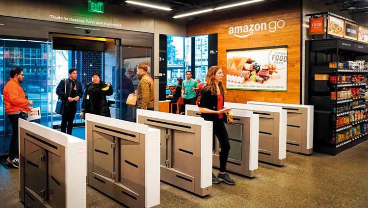 «أمازون» تفتتح أول متجر «ذاتي القيادة» أمام المستهـلكين