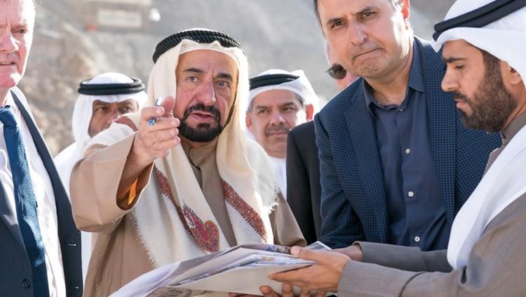 سلطان القاسمي يأمر بإنشاء جسر جديد استكمالاً لمشروع طريق خورفكان – الشارقة