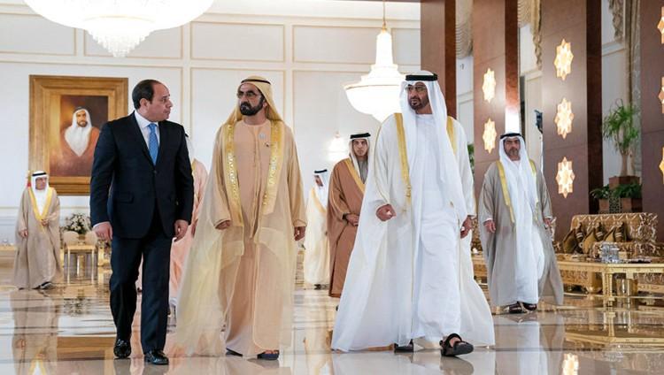 محمد بن راشد ومحمد بن زايد والسيسي يبحثون تعزيز العلاقات والقضايا الإقليمية والدولية