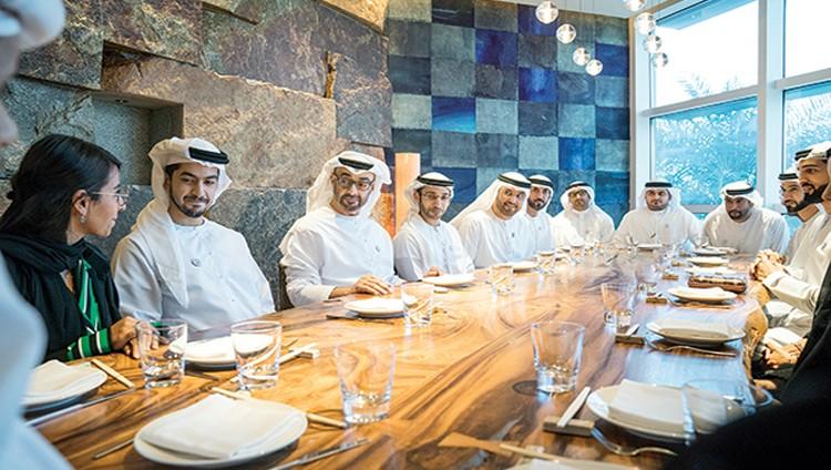 محمد بن زايد: الإمارات بقيادة خليفـــة ماضيـة في تأهيل وتدريب وتمكين القيادات الشابة